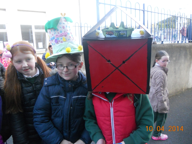 clay and egg carton hats 019