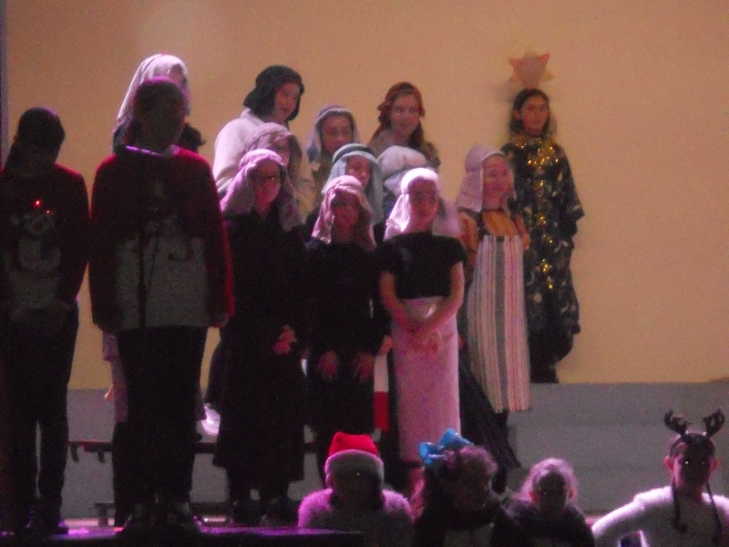 FMg Christmas play 014