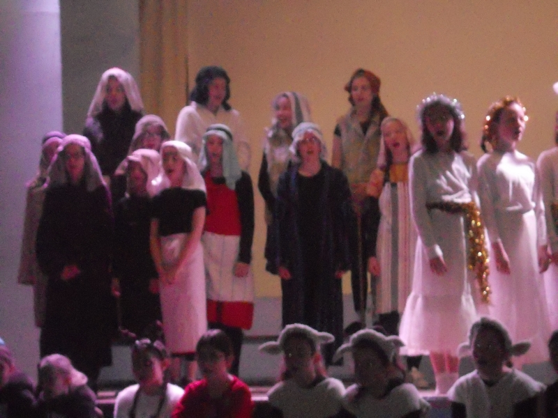 FMg Christmas play 017